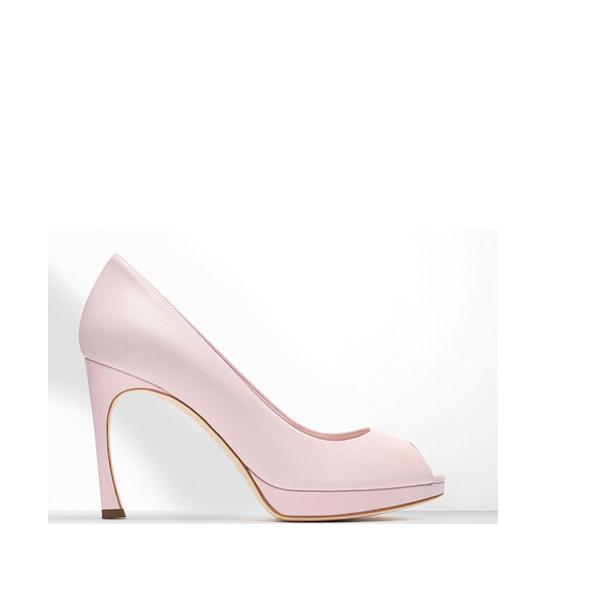 淡粉红色小羊皮高跟鞋
